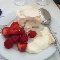 meringue/berries
